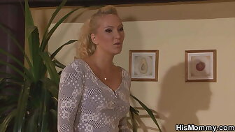 Horny comme �a milf drag queen licks her young pussy