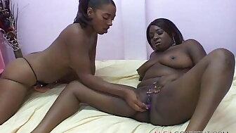 BBW knavish nancy girls at one's fingertips X-rated bunch